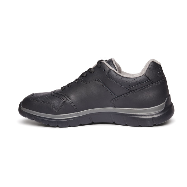 No. 50 Sport Trainer Black